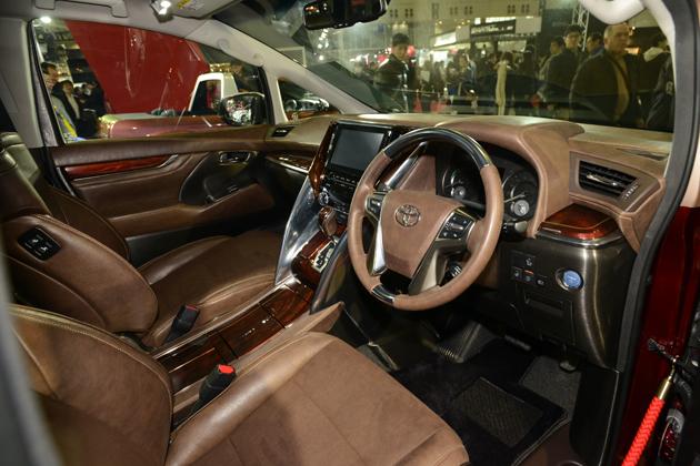 【新型】トヨタ アルファード・ヴェルファイア ~上級モデルのエグゼクティブラウンジも